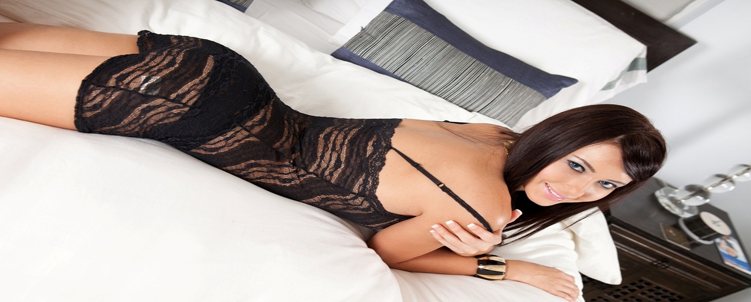 Naughty female escorts services in Delhi for more Fun
